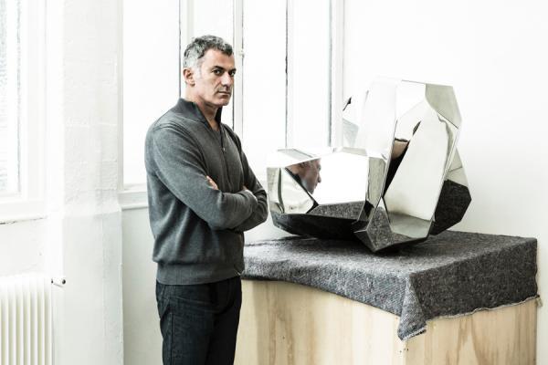 Descubre los diseños para el baño del artista Arik Levy.