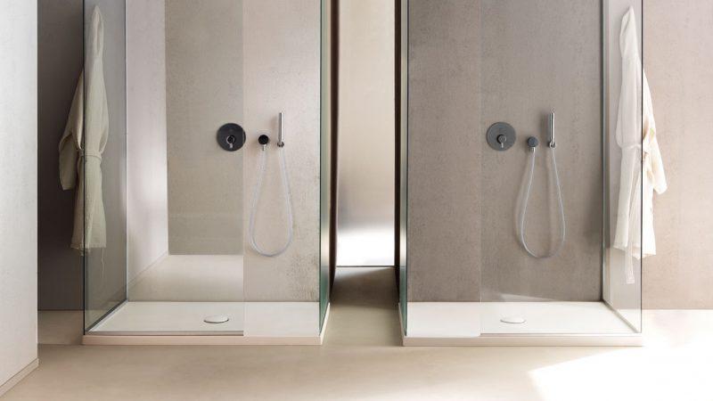 Platos de ducha planos y con diseño de la firma Cielo.